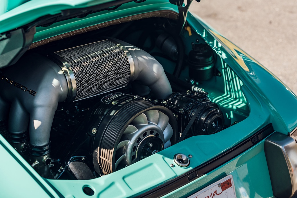Porsche 911 doi 1991 duoc rao ban 875.000 USD anh 12