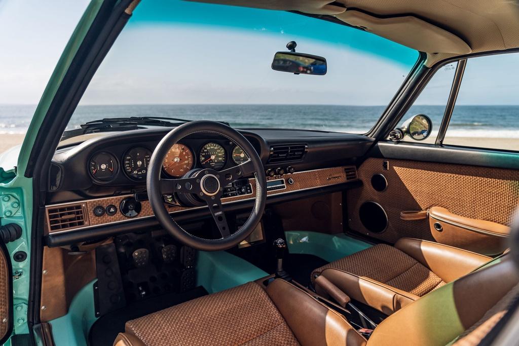 Porsche 911 doi 1991 duoc rao ban 875.000 USD anh 16