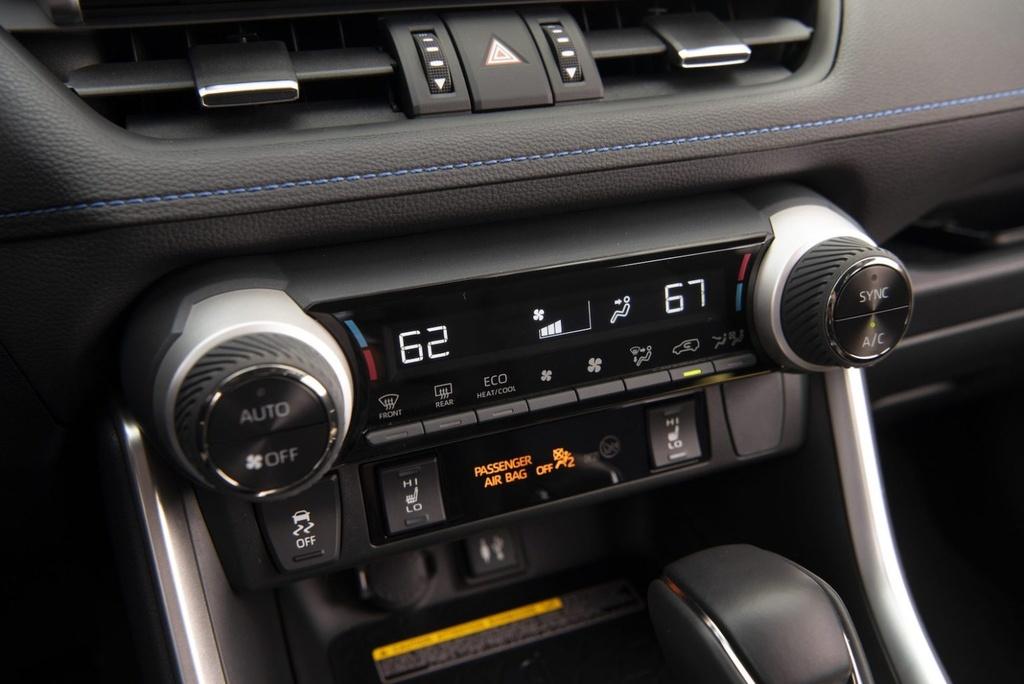 danh gia Toyota RAV4 Hybrid 2020 anh 15