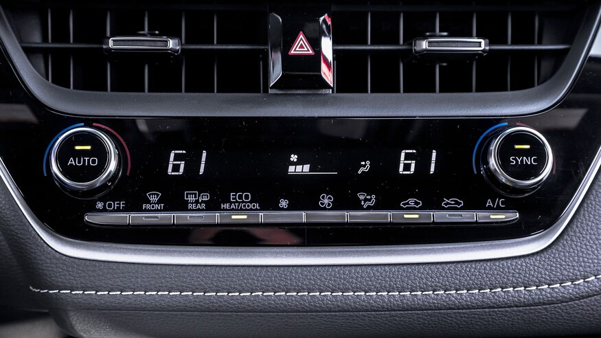 danh gia noi that Toyota Corolla 2020 anh 47