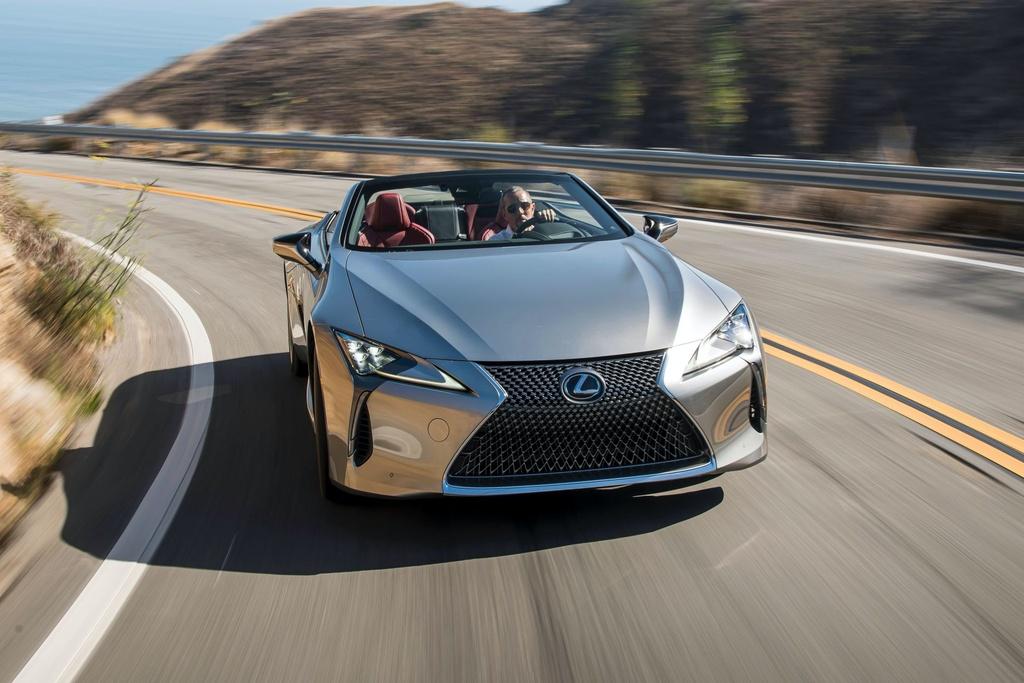 Lexus LC 500 Convertible 2021 sap ban ra thi truong anh 15