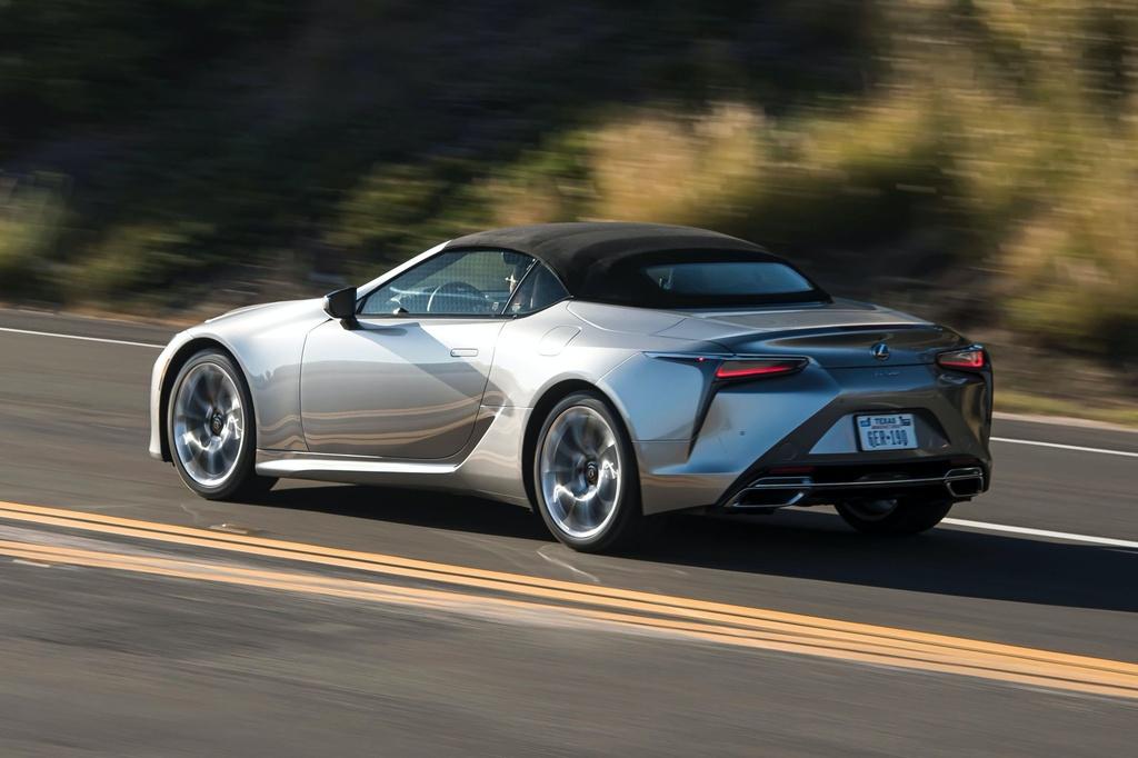 Lexus LC 500 Convertible 2021 sap ban ra thi truong anh 16