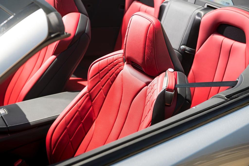 Lexus LC 500 Convertible 2021 sap ban ra thi truong anh 19