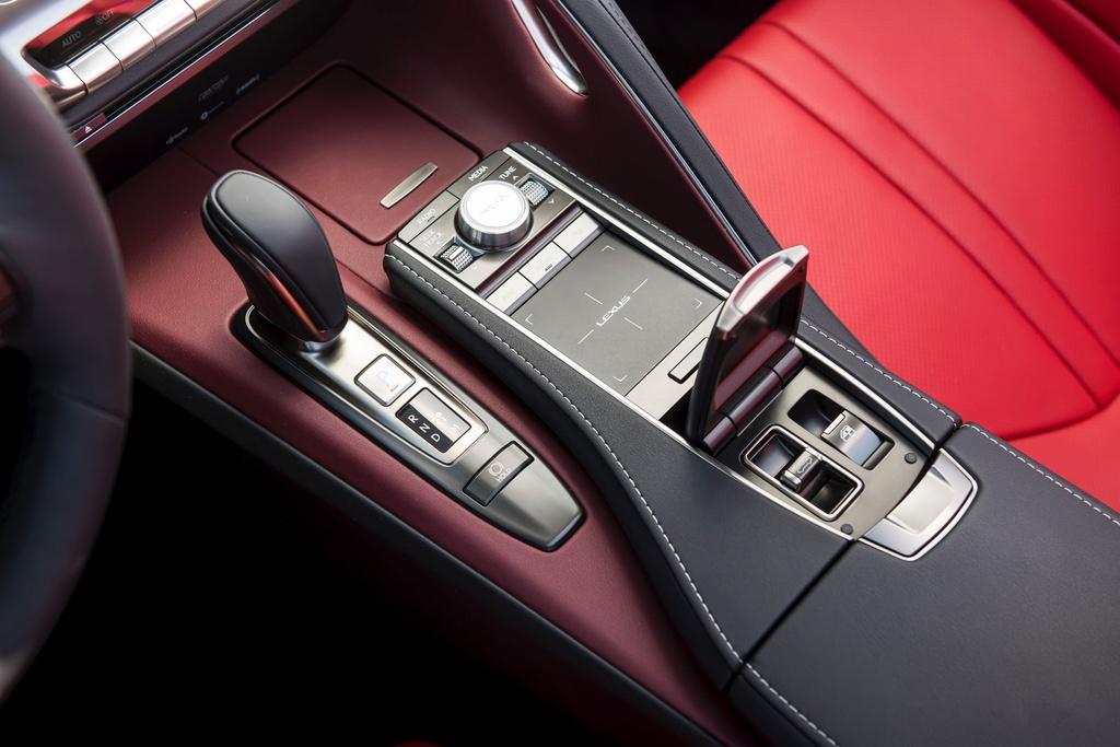 Lexus LC 500 Convertible 2021 sap ban ra thi truong anh 20