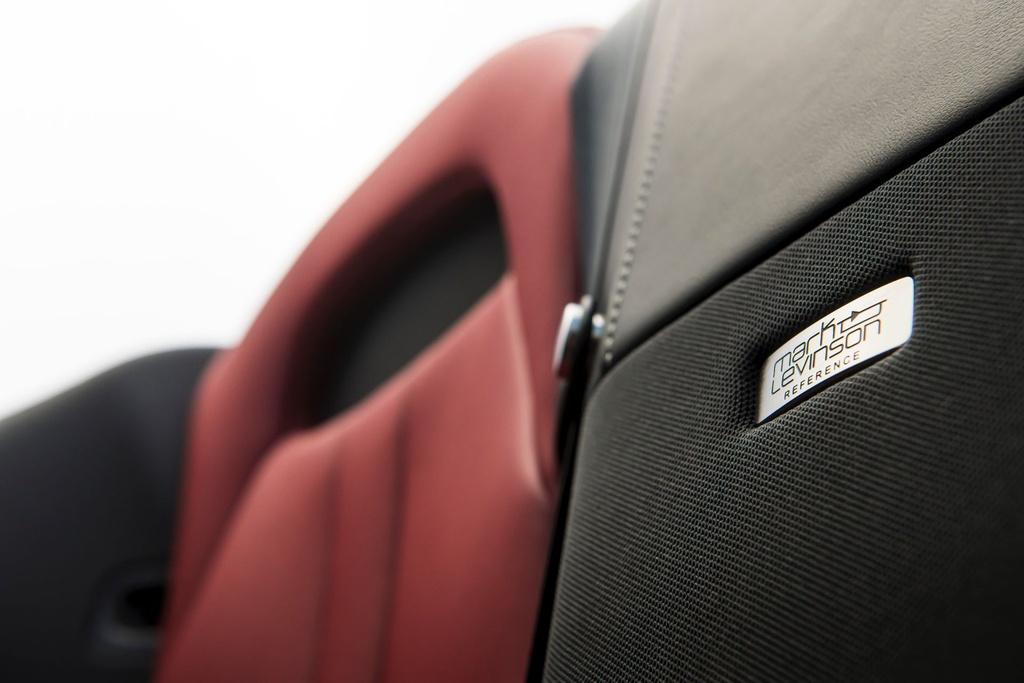 Lexus LC 500 Convertible 2021 sap ban ra thi truong anh 22