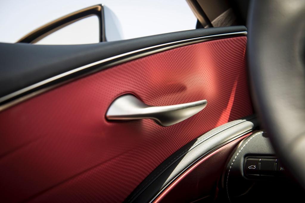 Lexus LC 500 Convertible 2021 sap ban ra thi truong anh 23