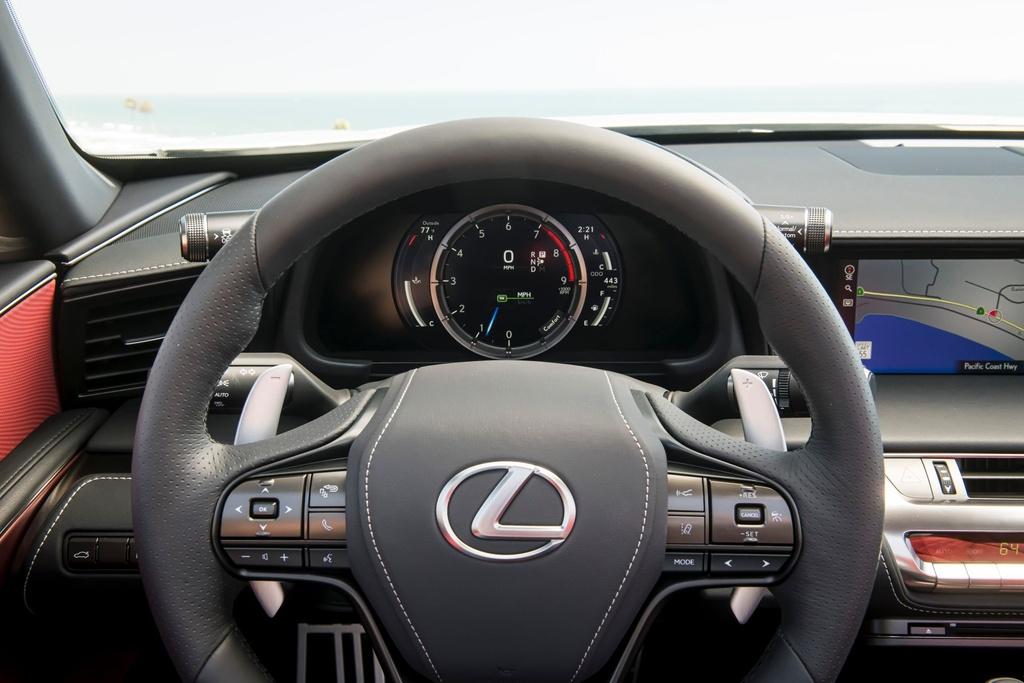 Lexus LC 500 Convertible 2021 sap ban ra thi truong anh 18