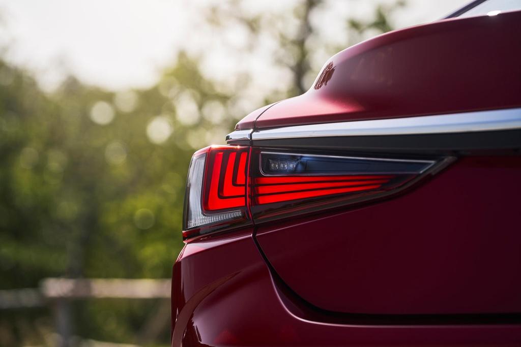 Lexus ES 2021 ra mat anh 21
