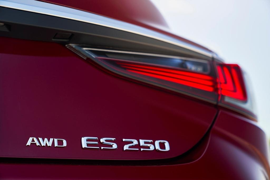 Lexus ES 2021 ra mat anh 20