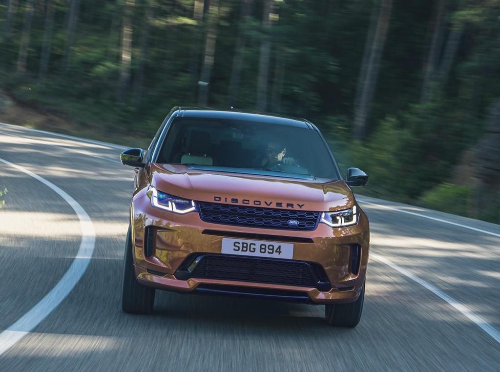 Land Rover Discovery Sport 2021 nang cap dong co va cong nghe anh 2