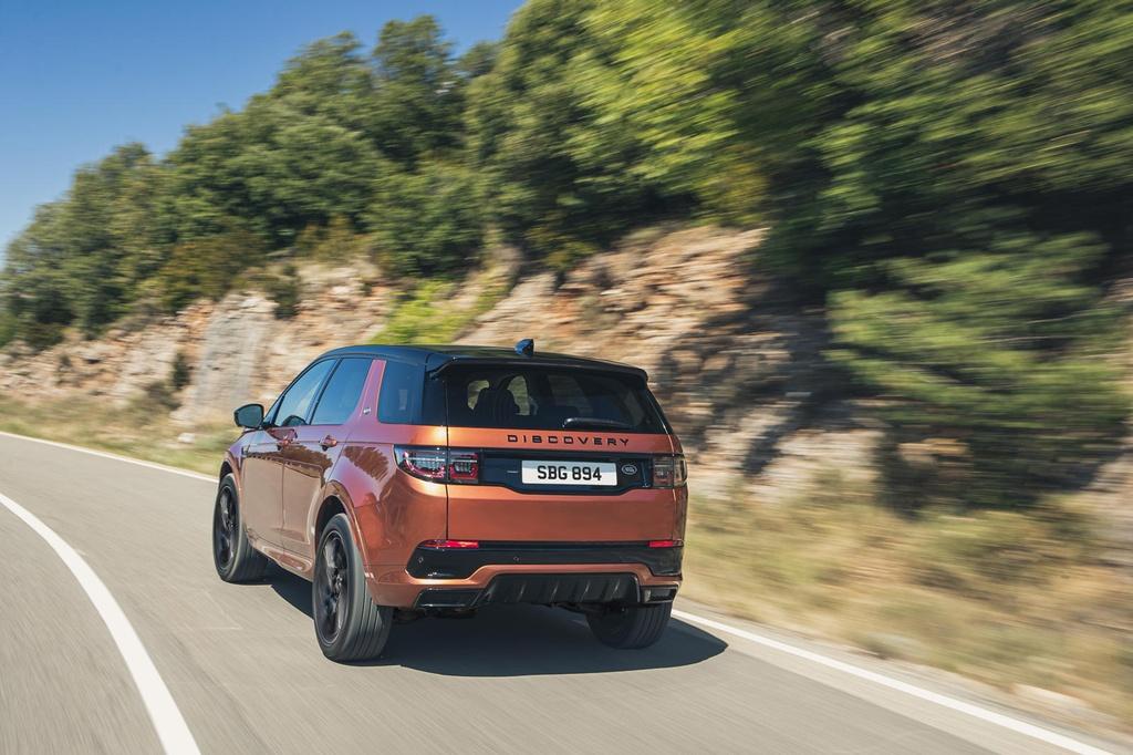Land Rover Discovery Sport 2021 nang cap dong co va cong nghe anh 4