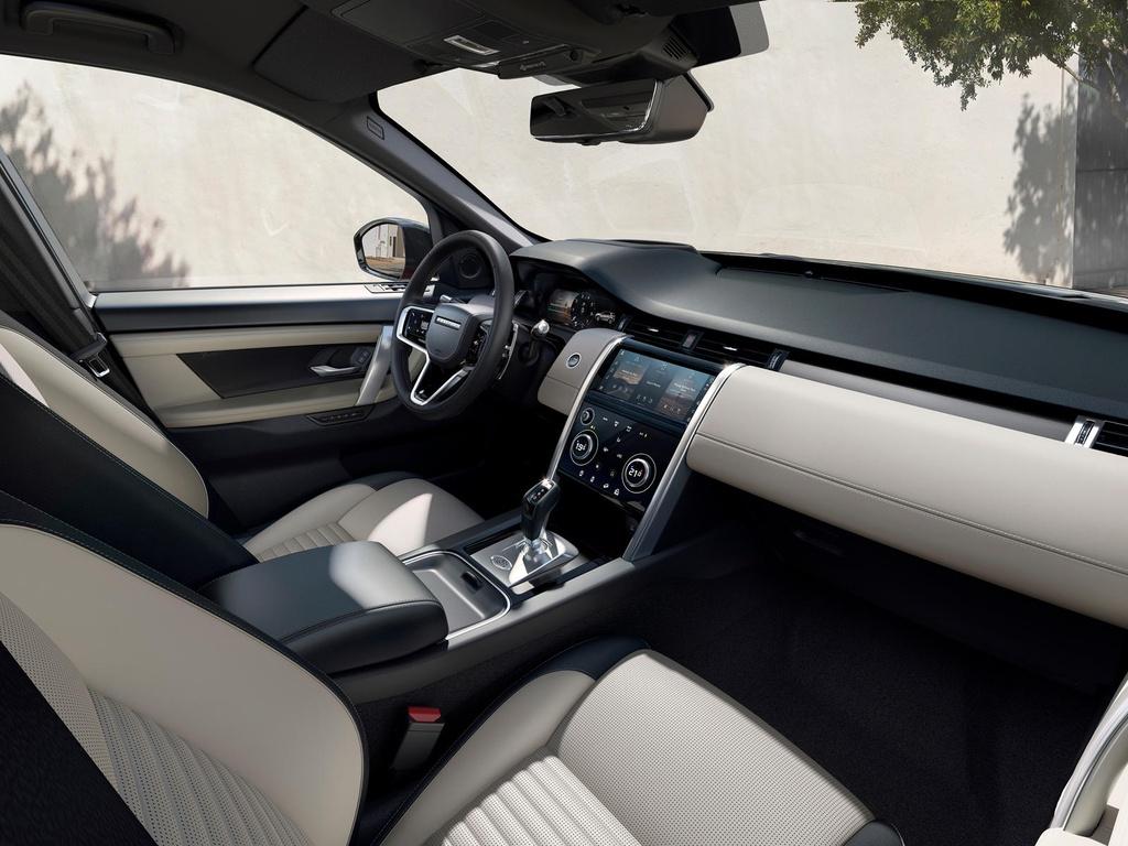 Land Rover Discovery Sport 2021 nang cap dong co va cong nghe anh 7