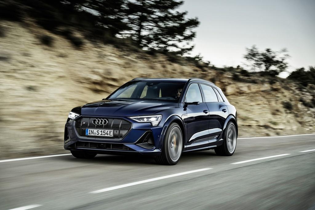 Audi E-Tron S 2021 ban ra thi truong anh 9