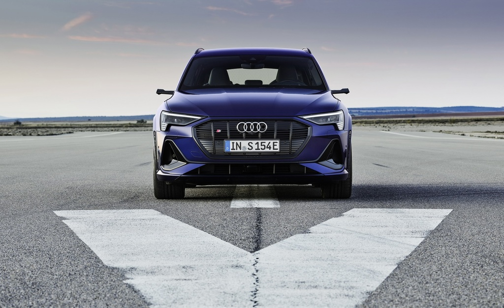 Audi E-Tron S 2021 ban ra thi truong anh 4