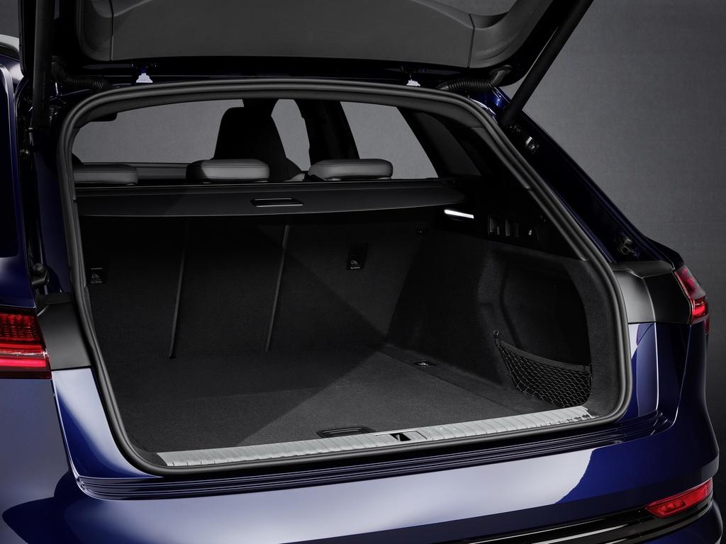 Audi E-Tron S 2021 ban ra thi truong anh 24