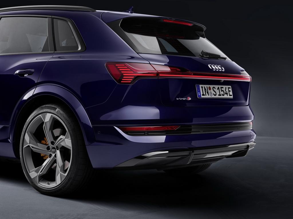 Audi E-Tron S 2021 ban ra thi truong anh 14
