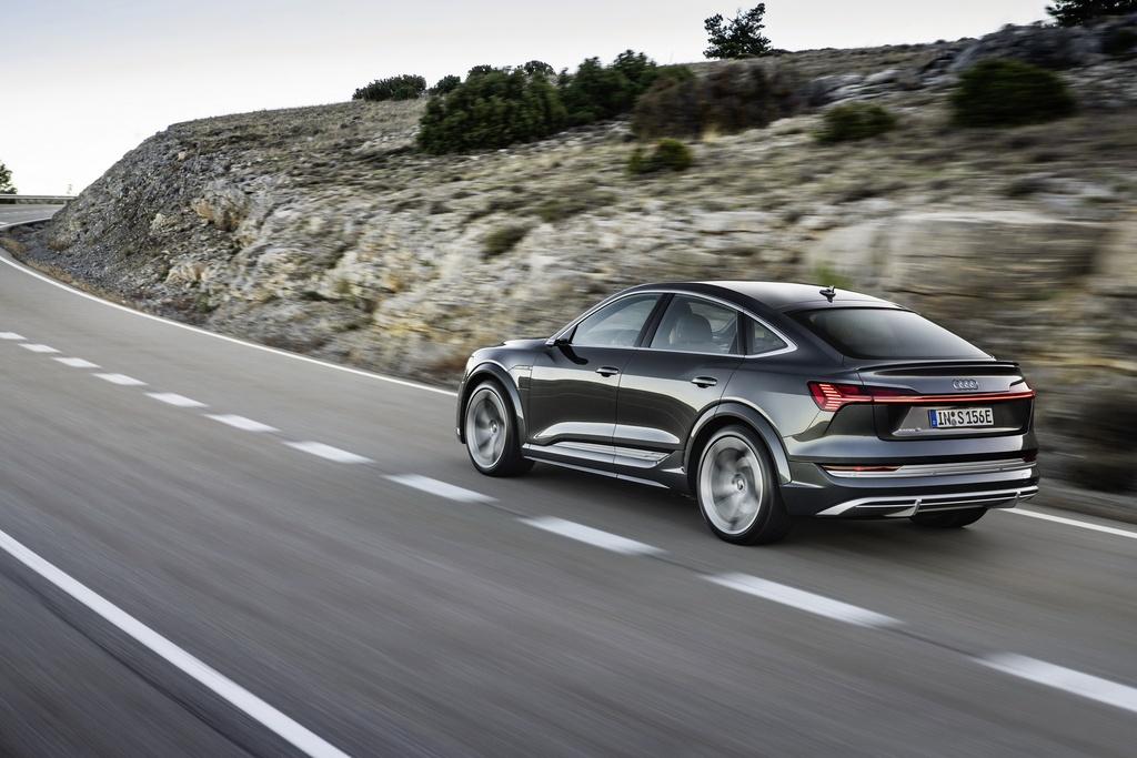 Audi E-Tron S 2021 ban ra thi truong anh 12