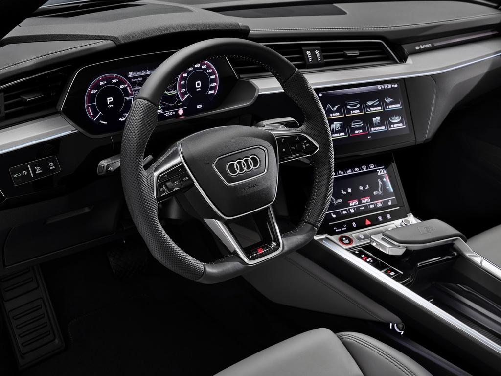 Audi E-Tron S 2021 ban ra thi truong anh 21