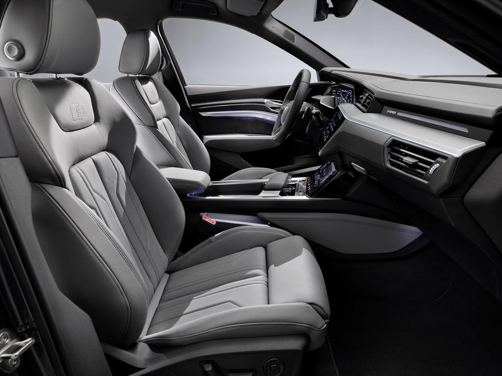 Audi E-Tron S 2021 ban ra thi truong anh 18