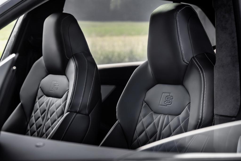 Audi ra mat 2 phien ban Q8 plug-in hybrid moi nhat anh 11