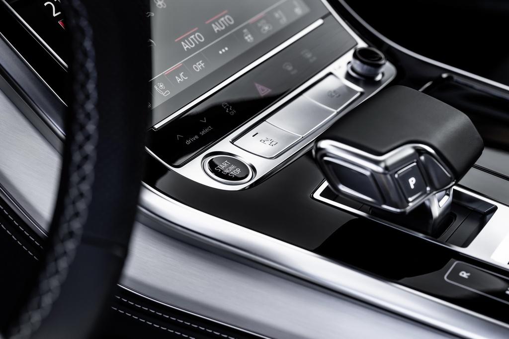 Audi ra mat 2 phien ban Q8 plug-in hybrid moi nhat anh 12