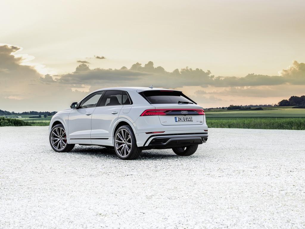 Audi ra mat 2 phien ban Q8 plug-in hybrid moi nhat anh 4
