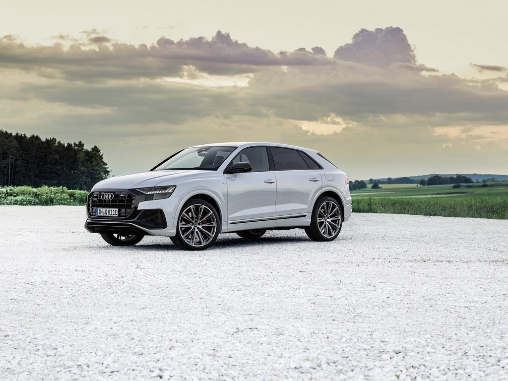 Audi ra mat 2 phien ban Q8 plug-in hybrid moi nhat anh 2