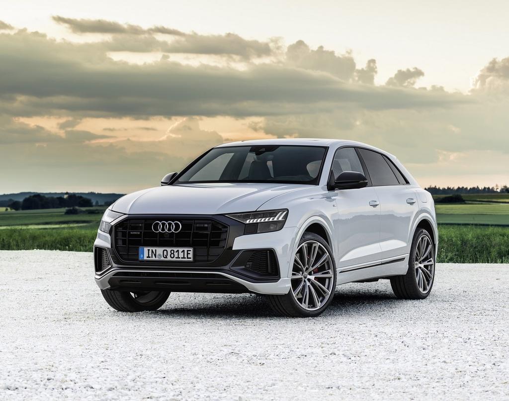 Audi ra mat 2 phien ban Q8 plug-in hybrid moi nhat anh 1