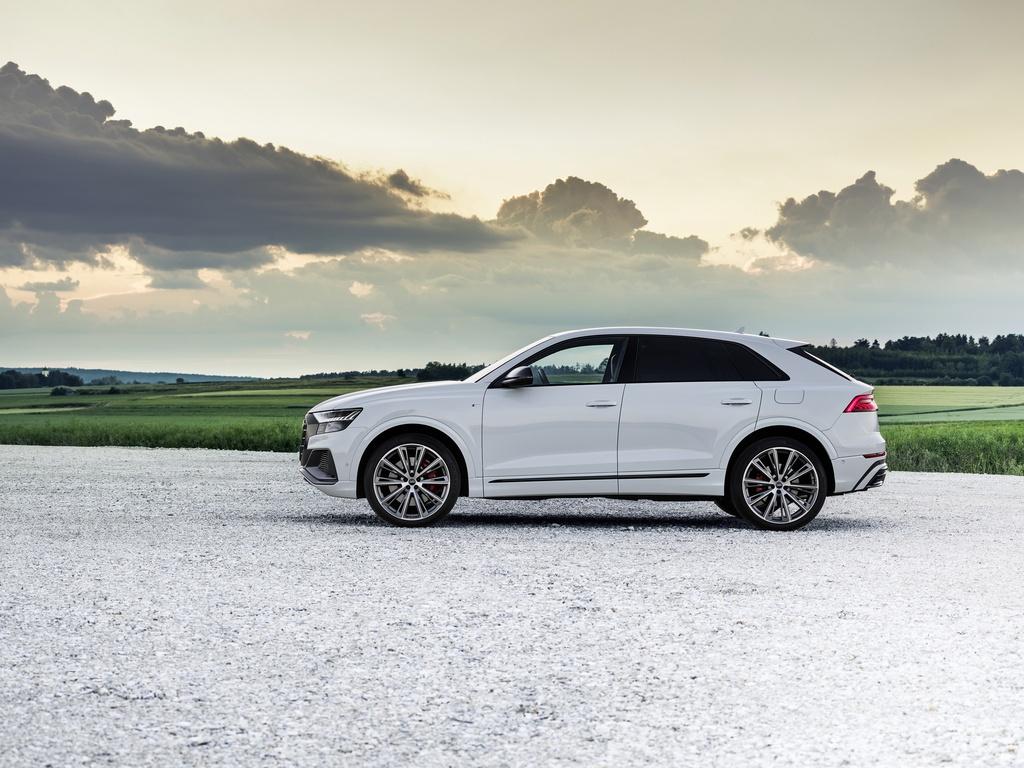 Audi ra mat 2 phien ban Q8 plug-in hybrid moi nhat anh 5