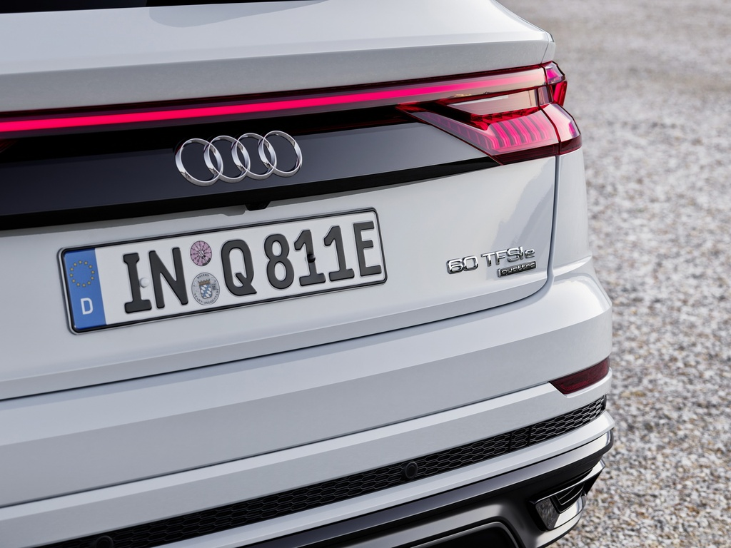 Audi ra mat 2 phien ban Q8 plug-in hybrid moi nhat anh 17