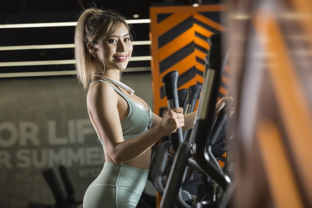 Hanoi X-Girls va Tracy Le chuong phu kien thoi trang nao? hinh anh 1 image001_4.jpg