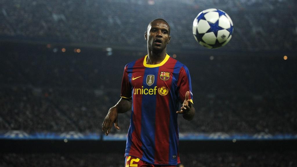 Eric Abidal - tu bieu tuong Barca den ke thu Messi hinh anh 1 abidalmesssi2.jpg