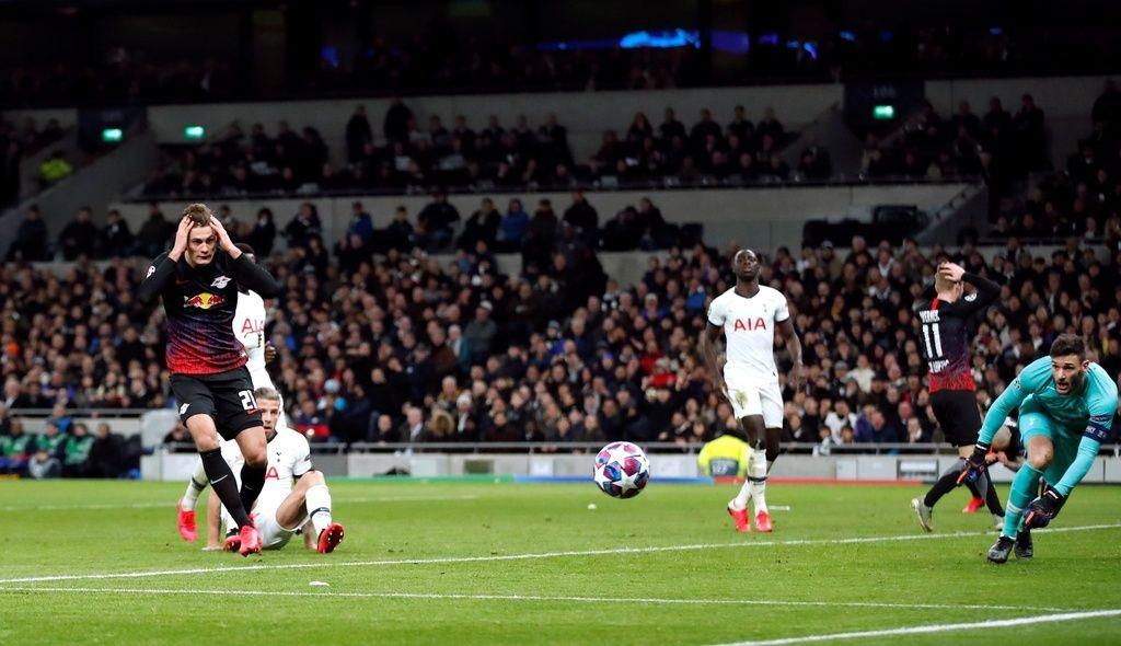 Mourinho da thua trong cuoc chien voi tuong lai hinh anh 2 tota.jpg