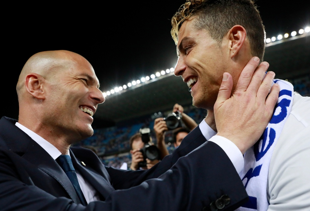 Guardiola gap Zidane la cuoc hoi ngo cua su hoai nghi hinh anh 2 zinedine_zidane_cristiano_ronaldo.jpg