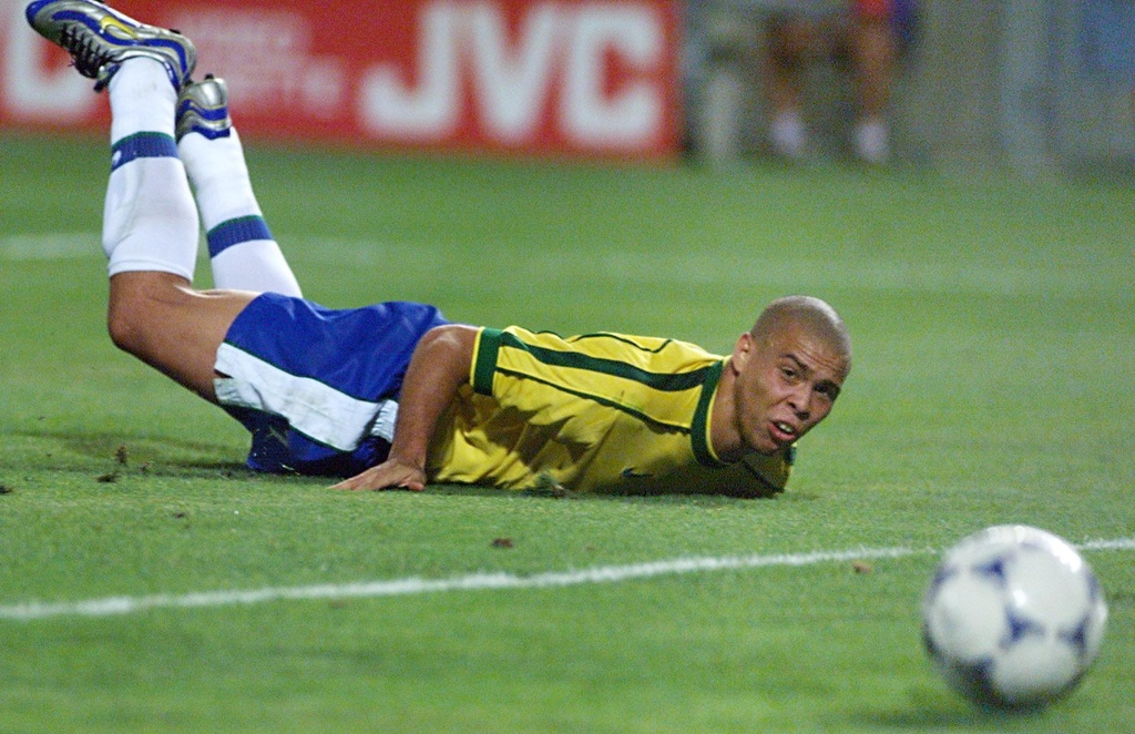 Ronaldo 'beo' noi ve nghi an dong kinh o World Cup 1998 hinh anh 3 robeo2.jpg