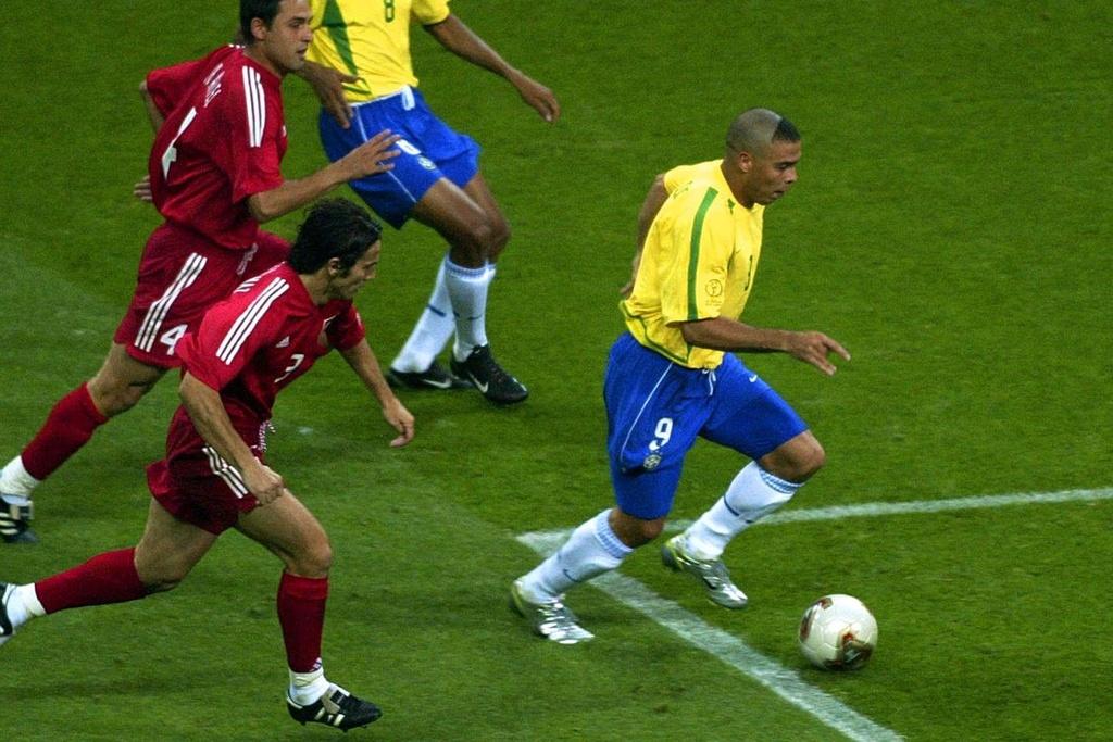 Ronaldo beo anh 2