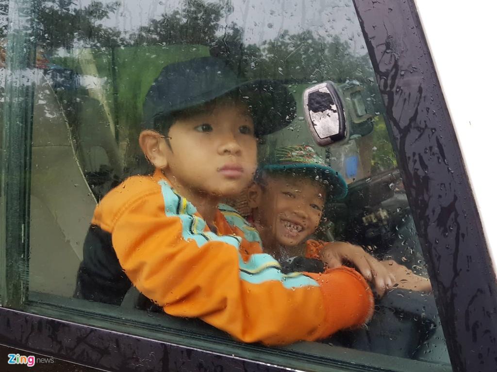Đêm nay, Sài Gòn mưa rất to và có lốc xoáy