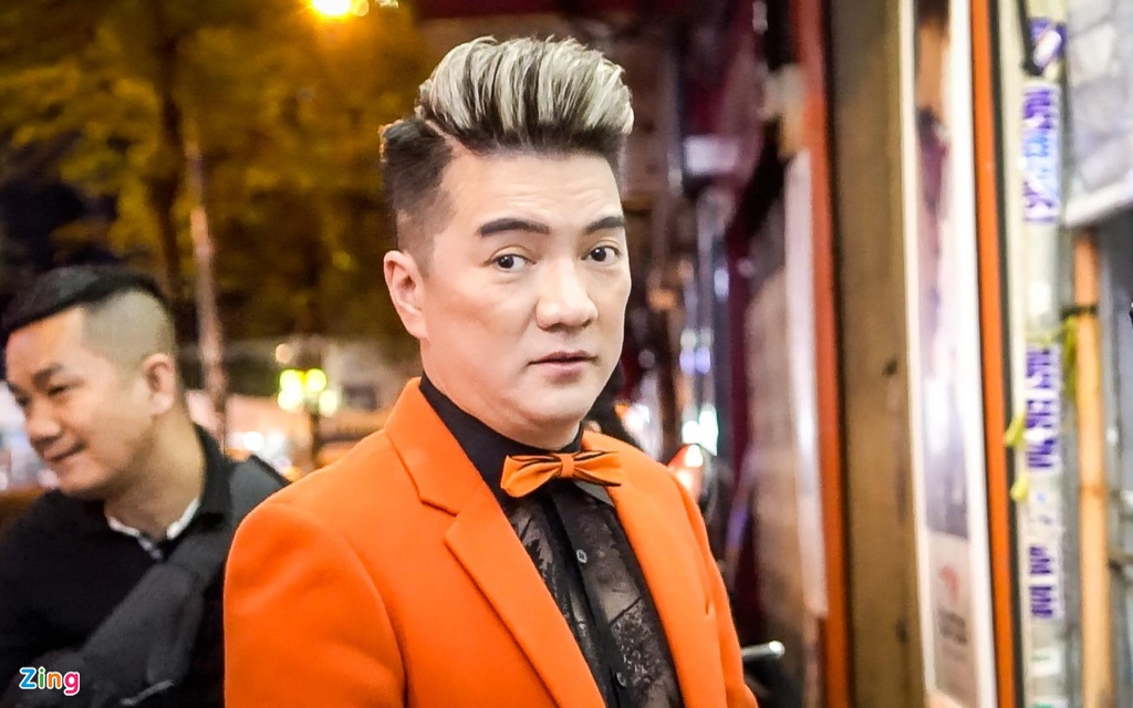 Vi sao Dam Vinh Hung bi nhac si kien, doi boi thuong 150 trieu? hinh anh 2