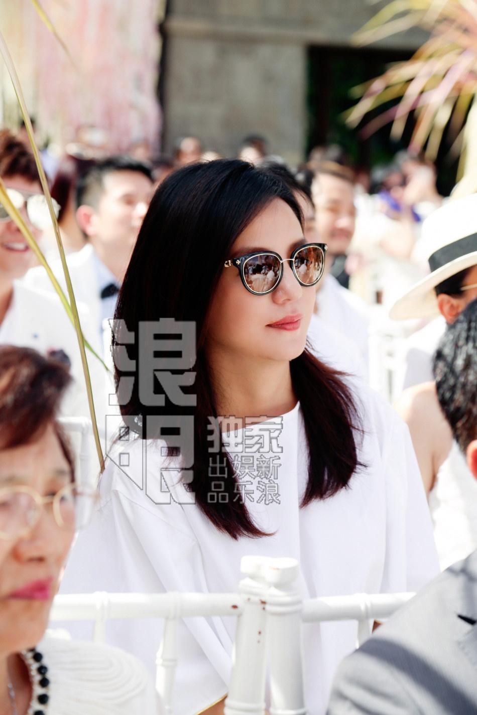'Ban, thu' trong showbiz Hoa ngu tai dam cuoi Lam Tam Nhu hinh anh 1