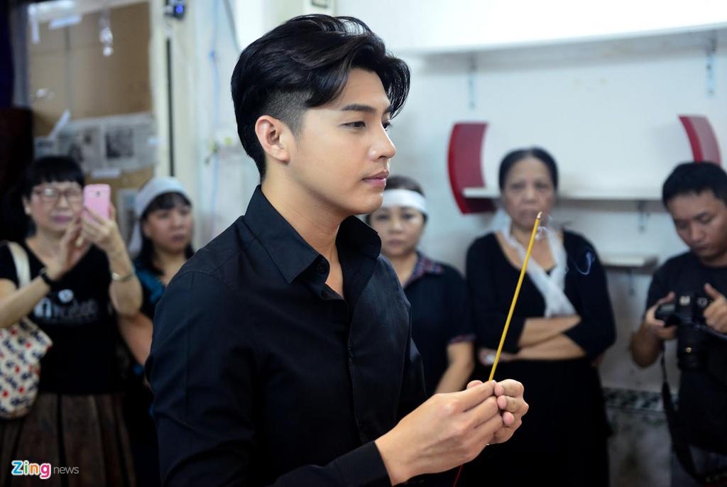 Nghe si Viet tiep tuc den vieng Minh Thuan toi 19/9 hinh anh 8