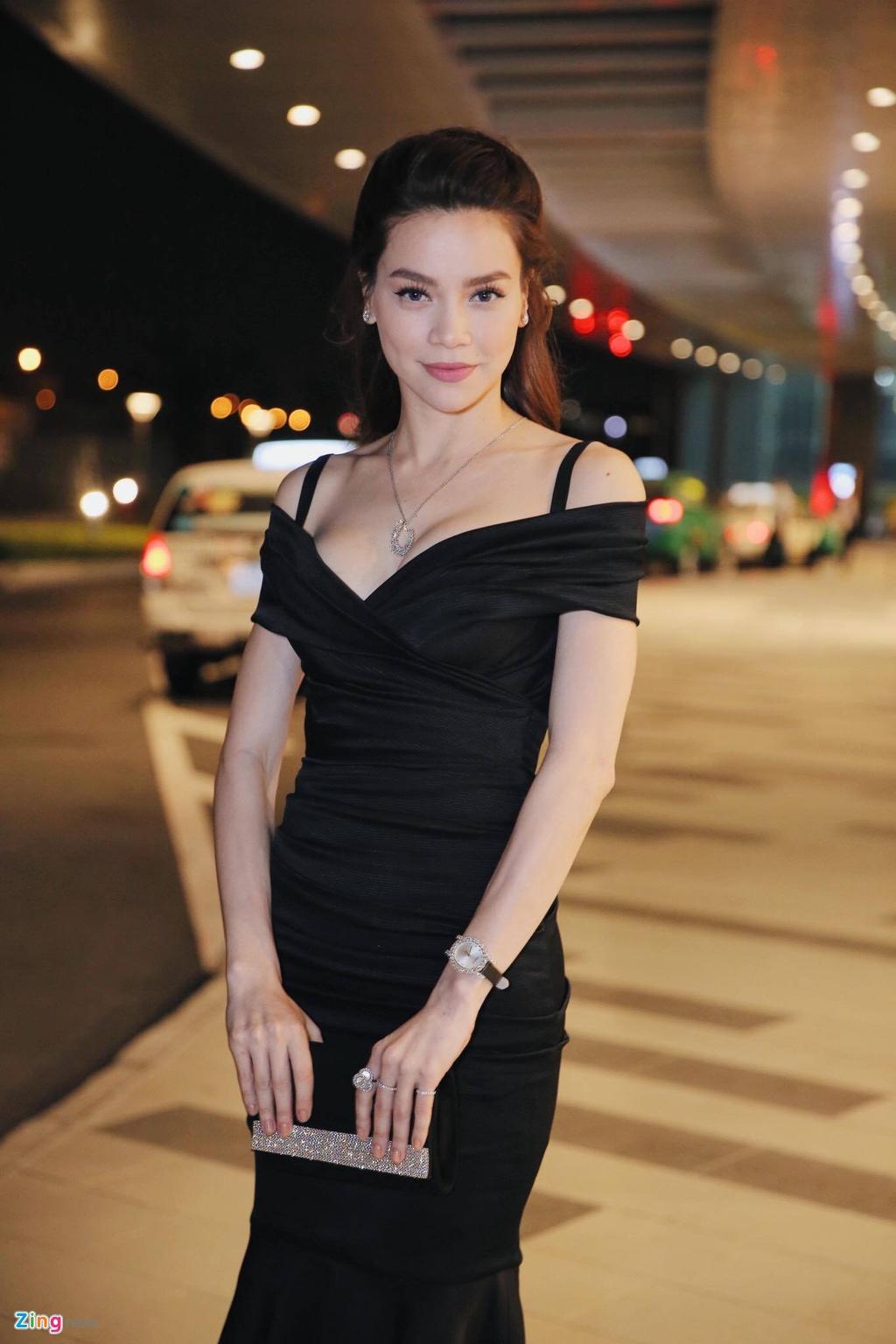 Ho Ngoc Ha va dan sao Viet chay tan loan sau su co chay san khau hinh anh 5