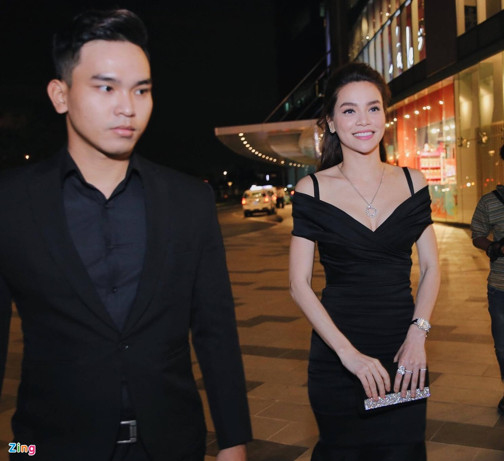 Ho Ngoc Ha va dan sao Viet chay tan loan sau su co chay san khau hinh anh 4