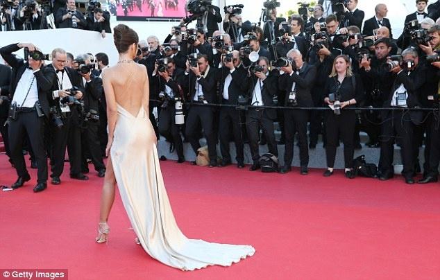 Pham Bang Bang mo nhat giua dan sao lon tren tham do Cannes hinh anh 17