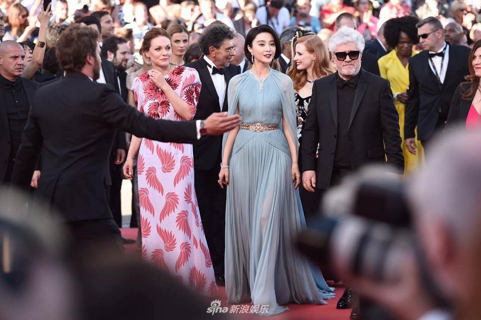 Pham Bang Bang mo nhat giua dan sao lon tren tham do Cannes hinh anh 15