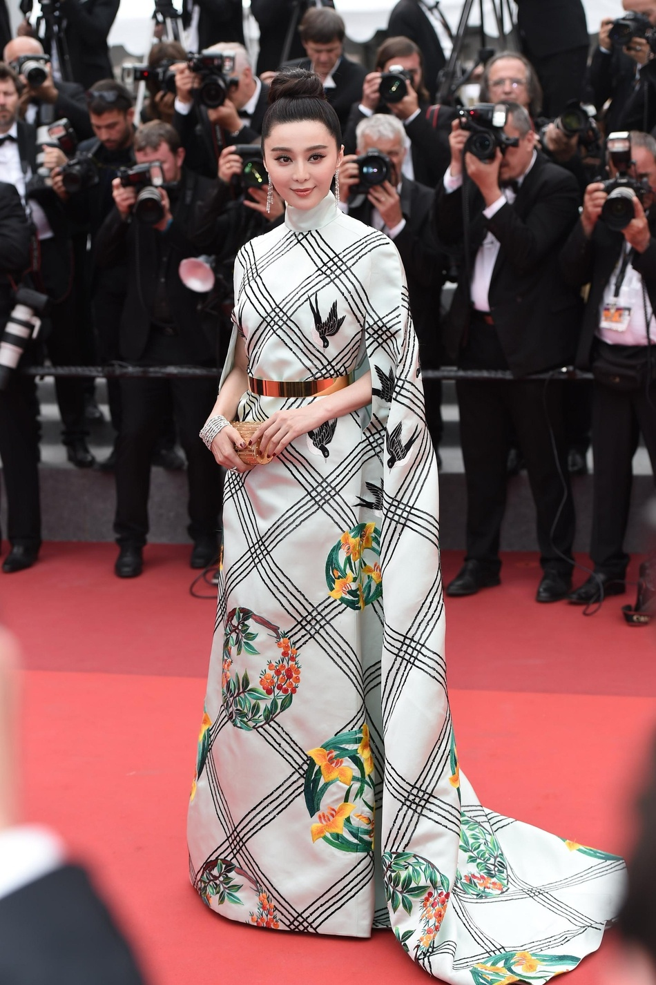 Pham Bang Bang tren tham do Cannes anh 3