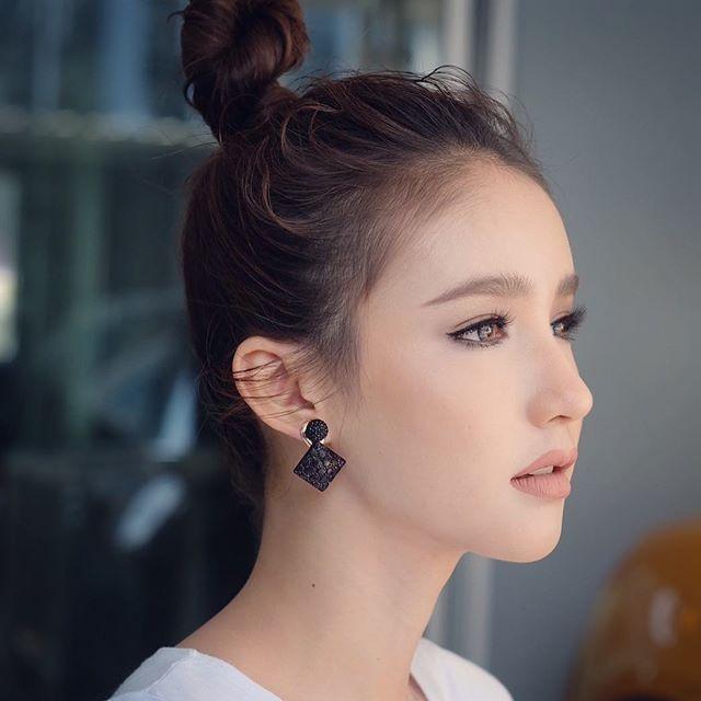 Nhan sac 'than tien ty ty' cua Hoa hau chuyen gioi Thai Lan 2017 hinh anh 5