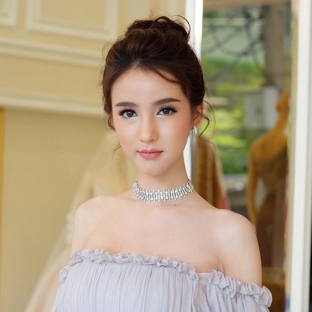 Nhan sac 'than tien ty ty' cua Hoa hau chuyen gioi Thai Lan 2017 hinh anh 2
