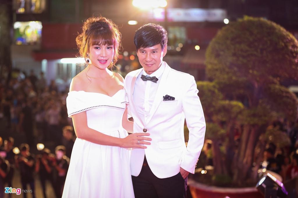 Huong Tram va Min noi bat tren tham do Zing Music Awards 2017 hinh anh 10