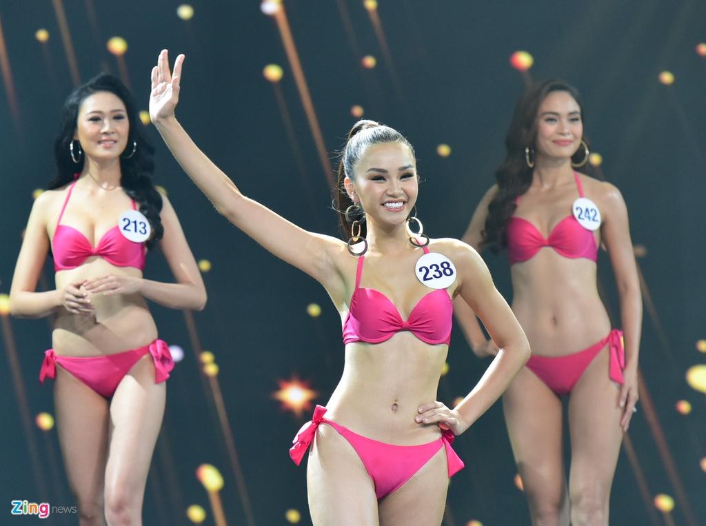 Nguoi dep Hoa hau Hoan vu Viet Nam 2017 goi cam voi bikini hinh anh 7