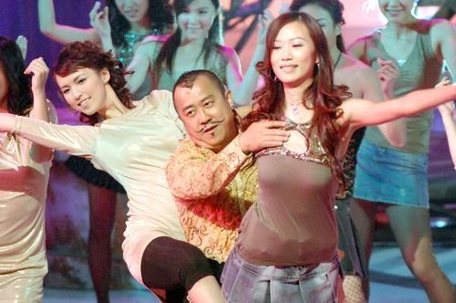 Tang Chi Vy: Trum showbiz Hong Kong dinh be boi hiep dam hang loat hinh anh 6